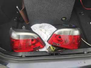 2004-2007 bmw 5 series OEM taillights with bulbs