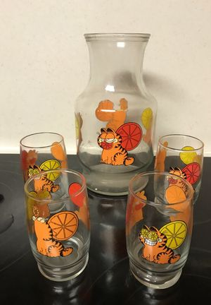 Garfield Orange Juice Carafe and 4 Juice Glasses