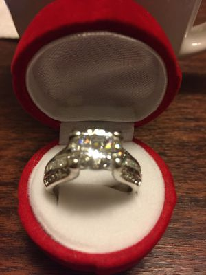 New sterling silver ring very good Condition