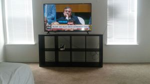 Tv stand 1yr old