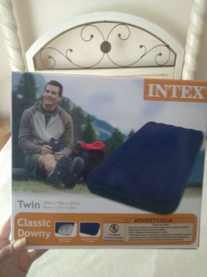 TWIN AIR MATTRESS NEW