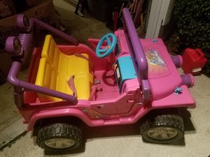 Power wheel Barbie jeep with battery and charger