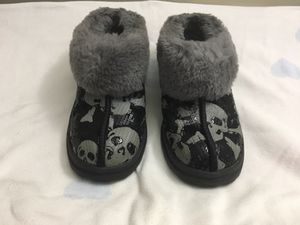 UGG slippers - size 5