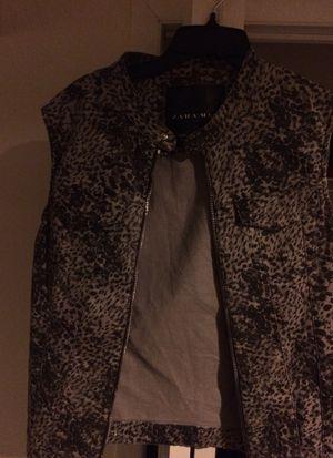 Zara Men vest . Size L