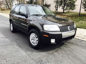 2005 Mercury Mariner 4WD SUV - Clean title - Like New interior. Great tires
