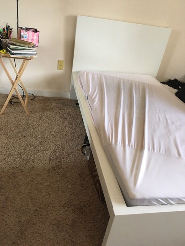 Free twin bed furniture in seattle wa offerup for Furniture pick up seattle