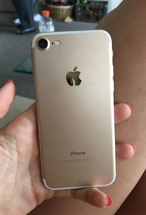 iPhone 7 Gold 32GB - only 2wks old. Brand New condition.