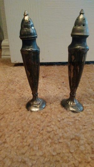 Silver salt and pepper shakers ANTIQUE!