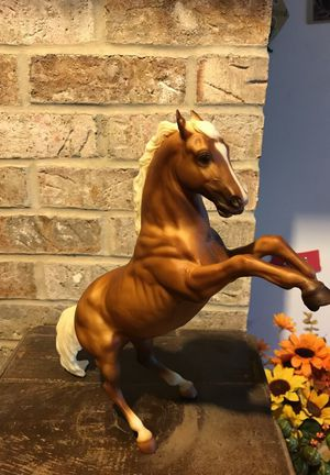Breyer Model Horse Clue II Palomino Quarter Horse