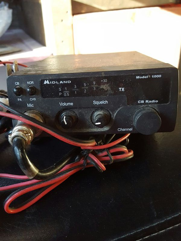 Midland cb radio barely used with mic and mounts auto parts in midland cb radio barely used with mic and mounts sciox Gallery