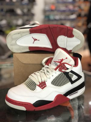 Fire red 4s size 8.5