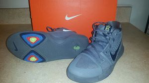 Kyrie Irving 3 Size 7.