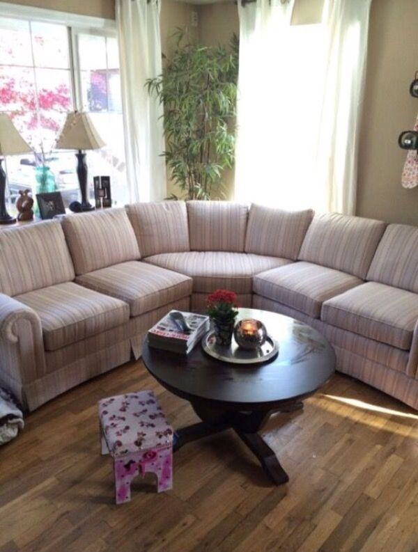 Couch furniture in edmonds wa offerup for Furniture edmonds wa