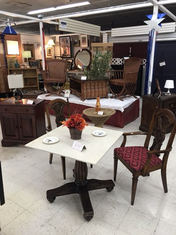 Furniiture by yari furniture in homestead fl offerup for Furniture upholstery homestead fl