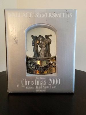 Wallace Silversmiths Christmass 2000 Musical Angel Snow Globe
