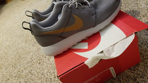 Women s Nike Roshe Run Shoes 9 New (Clothing   Shoes) in Odessa, TX ... 762f608689