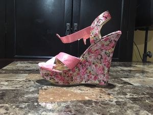 Flower Wedges Size 8