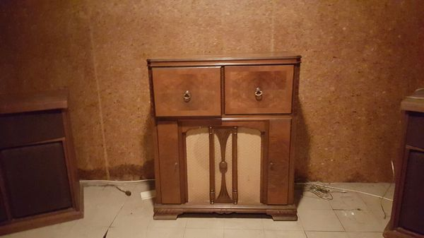 Gutted antique radio cabinet fair condition furniture for Bedroom furniture 98203