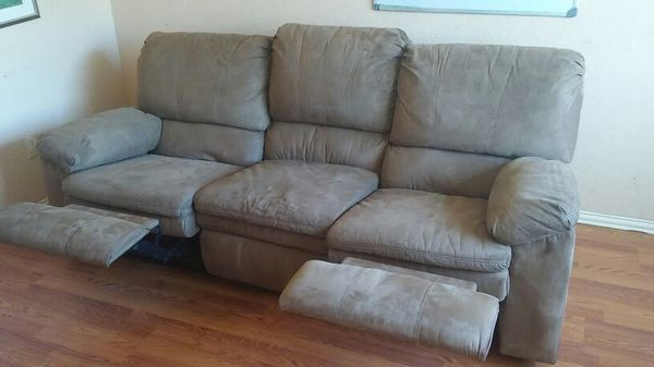 Couch and love seat 4 recliners furniture in rowlett tx offerup - Ways of accessorizing love seats ...