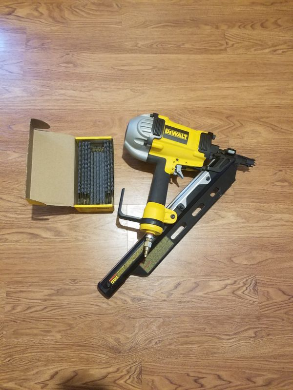 Dewalt clipped head framing nailer (Tools & Machinery) in Fort Mill, SC