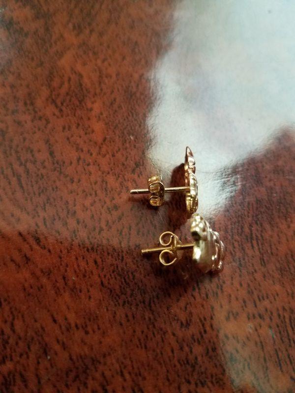 14k gold hello kitty earrings (Jewelry & Accessories) in Zillah ...