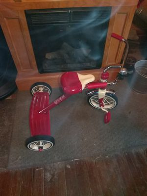Radio flyer tricycle,rode once.reatail $59.99 today only $30.00