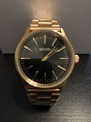 Nixon Sentry Watch Gold and Black Watch 38mm A450-1604 new