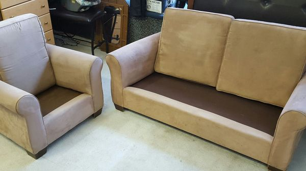 Tan 2 piece living room furniture furniture in chicago for G furniture chicago