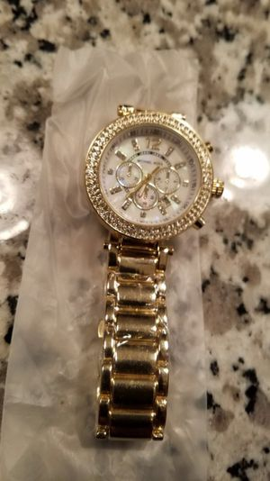 Mk watch new never used color gold