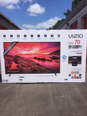 """VIZIO - 70"""" Class (69.5"""" Diag.) - LED - 2160p - Smart - 4K Ultra HD Home Theater Display (E70-E3)"""