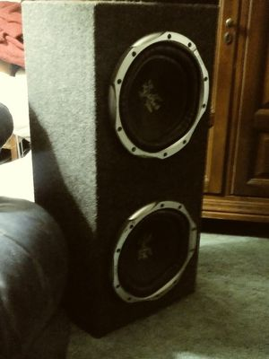 "2 10"" sony xplode subs in enclosed box"