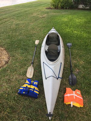 2 Person Kayak With Oars & Child Vests