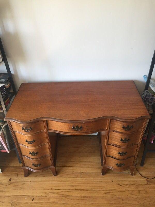 Vintage wooden desk furniture in chicago il for Furniture 60618