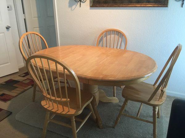 Great Dining Table For 4 Good Condition Normal Wear