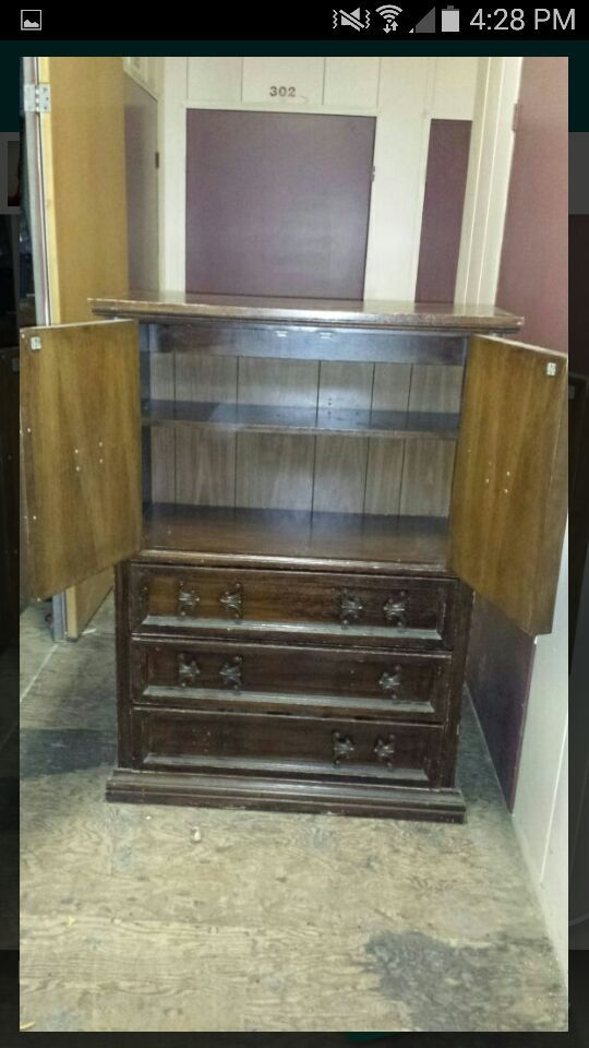 Dresser furniture in fullerton ca offerup for Sofa bed 92870