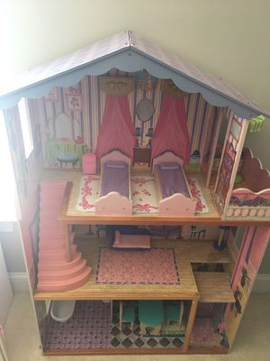 Doll house with furniture- wooden kidkraft house is in like new condition