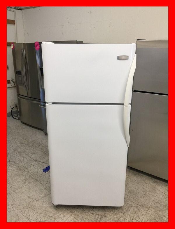 Frigidaire 18 cubft Top Freezer Refrigerator Apartment Size ...