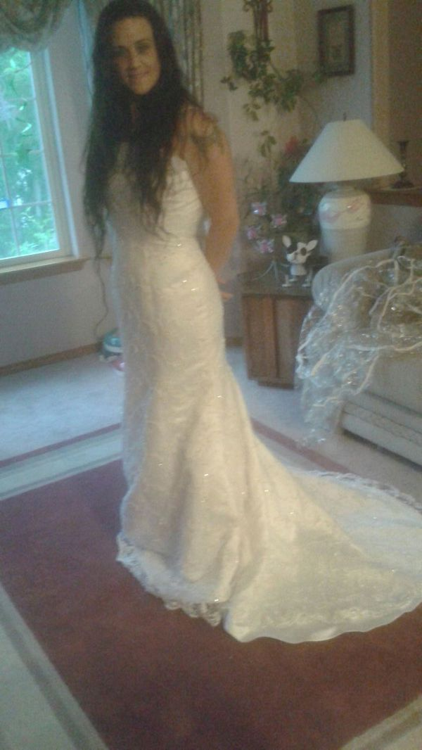 Wedding dress obo clothing shoes in marysville for Where can i sell my wedding dress locally