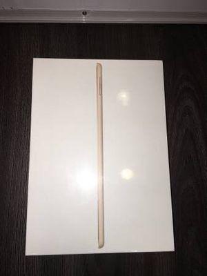 iPad 5th GEN 32GB 9.7 inch GOLD BRAND NEW IN BOX