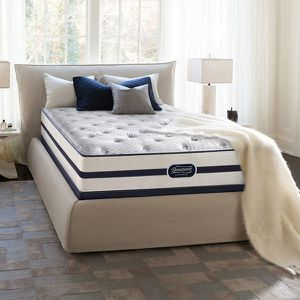 """Simmons Beautyrest Recharge Signature Select Vinings 13.5"""" Plush Mattress And Box Springs"""