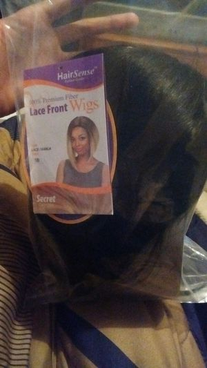 Lace front wig , brand new just tried on ..