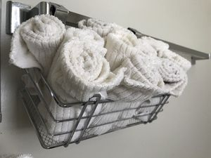 Metal towels rack