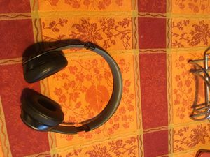 Beats solo wireless great condition