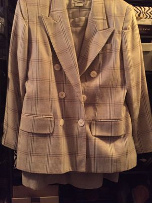 Ladies 2-piece Suit Size 14