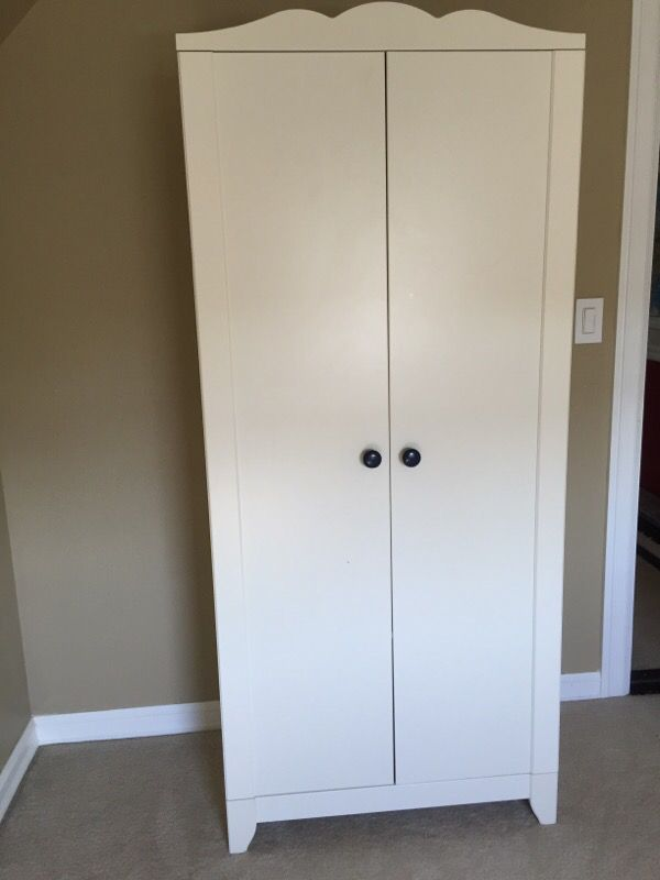 children 39 s wardrobe closet armoire white ikea hensvik. Black Bedroom Furniture Sets. Home Design Ideas