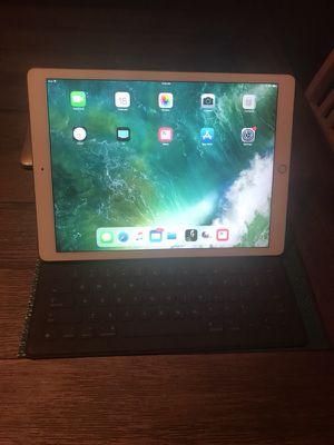 Ipad Pro 12.9 32 GB with Smart Keyboard
