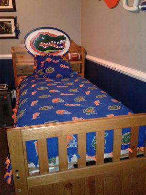 Gators twin bed