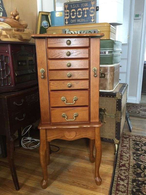 Queen Anne Jewelry Armoire Furniture in Midvale UT OfferUp