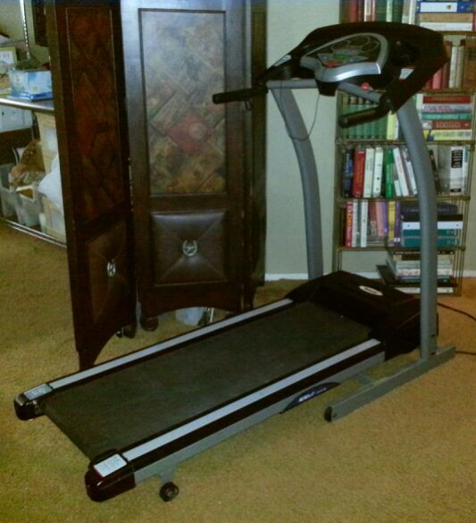 triumph treadmill (price is firm!!) (electronics) in katy, tx