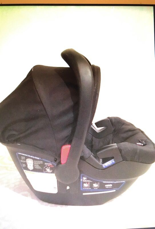 Britax B Safe Infant Car Seat With Base